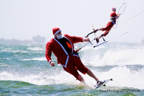 Kitesurfing Santas