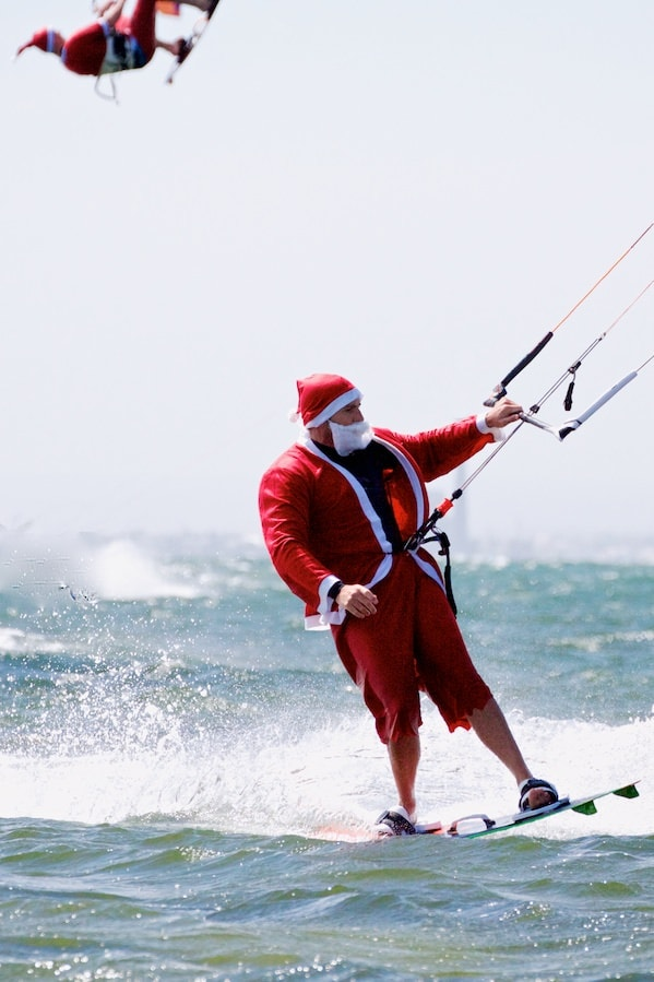 Kite Santa jumping