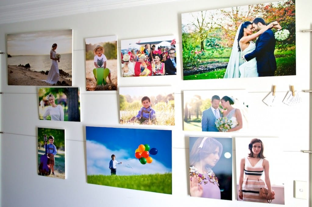 Picture wall with curtain wire