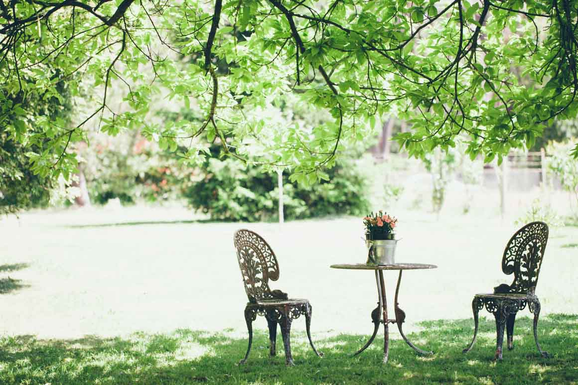 vintage garden setting for wedding