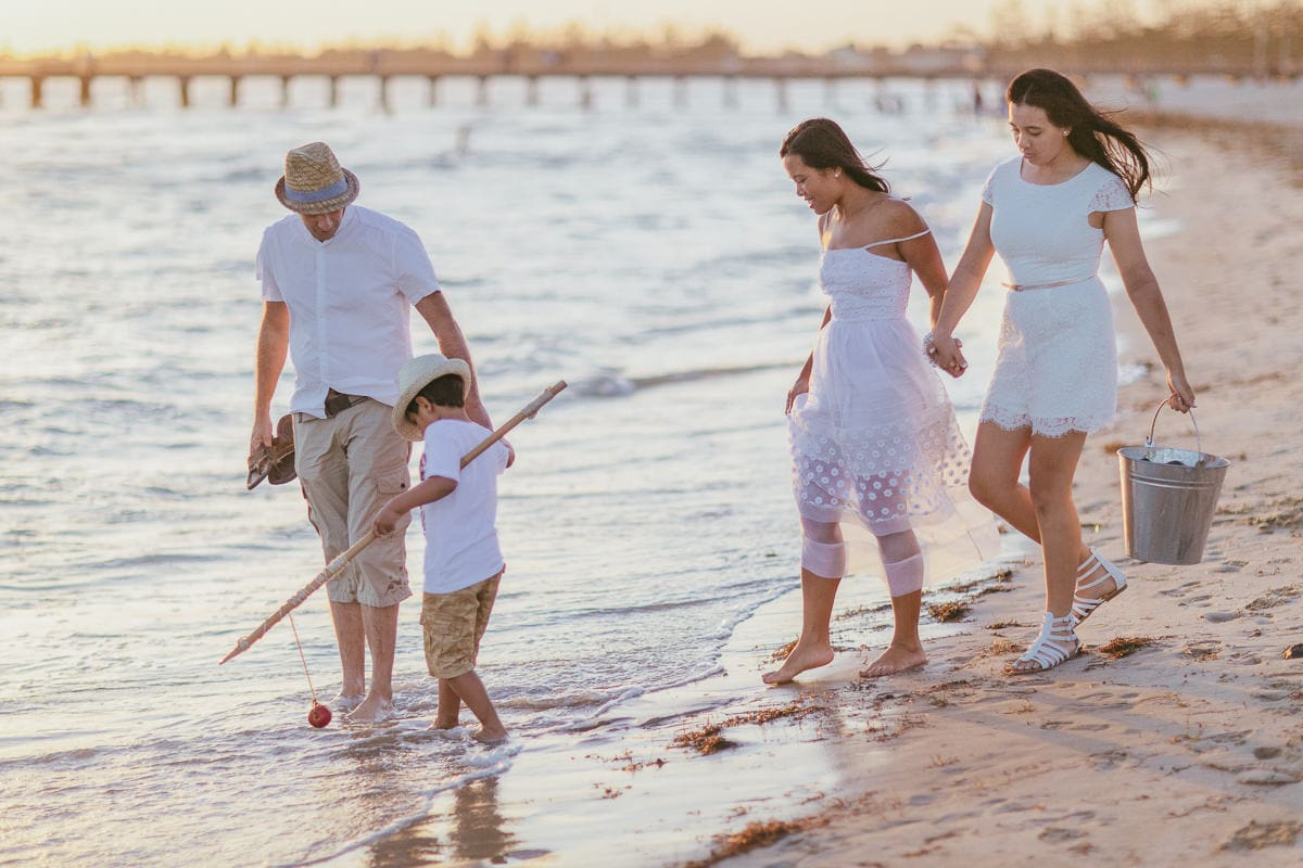 Walk at the beach combined with family photography