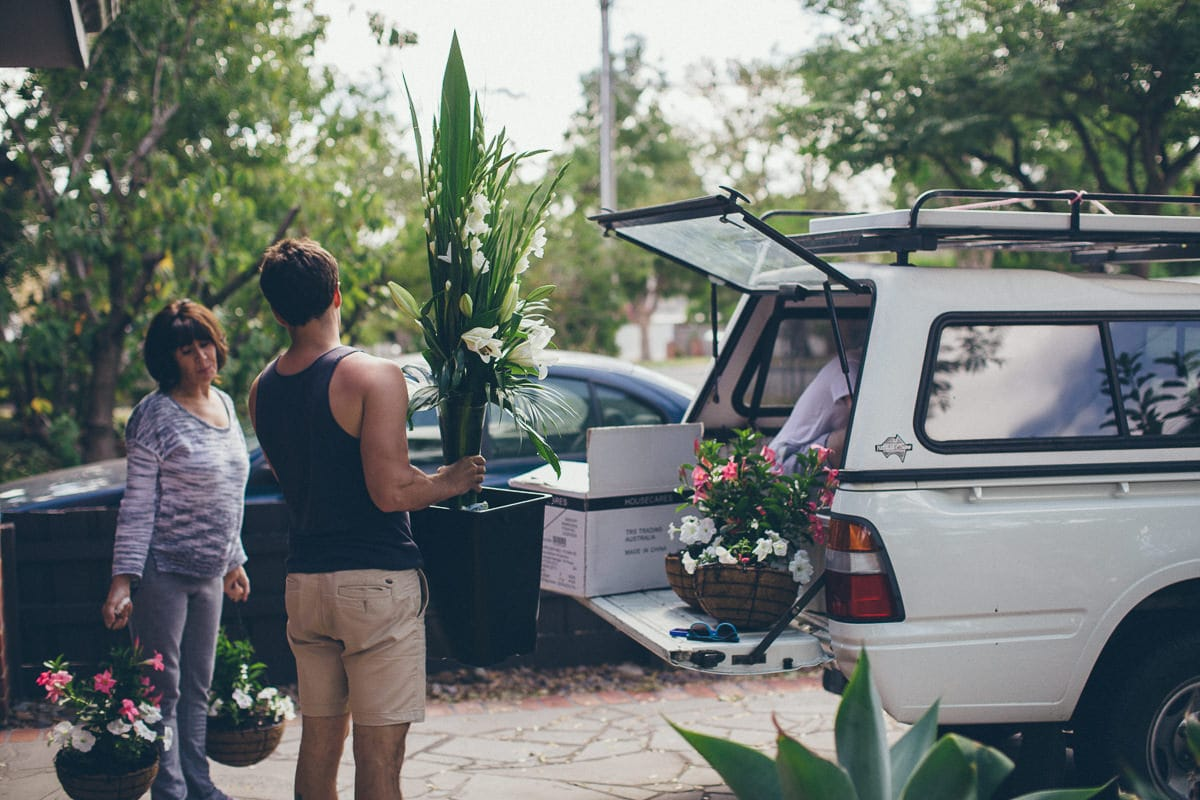 loading the truck - melbourne wedding