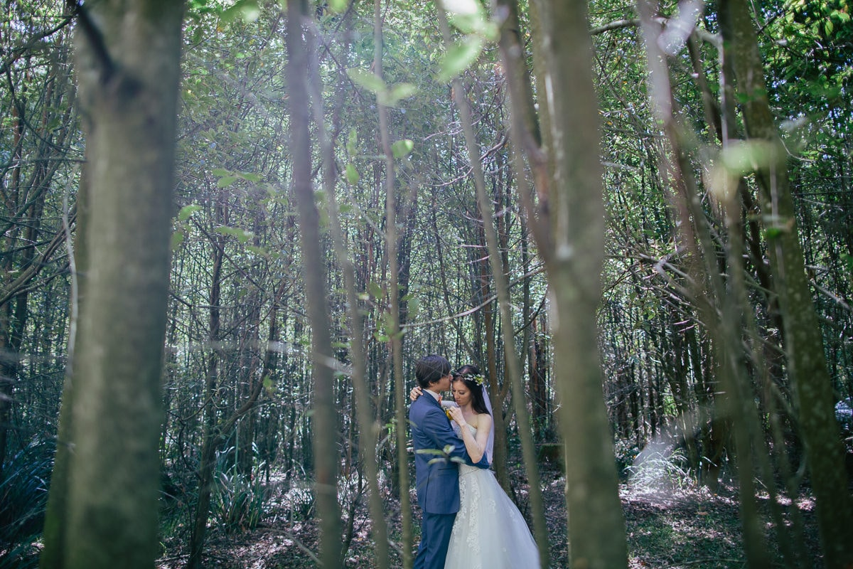 creative wedding photography - outdoor in the forest - melbourne