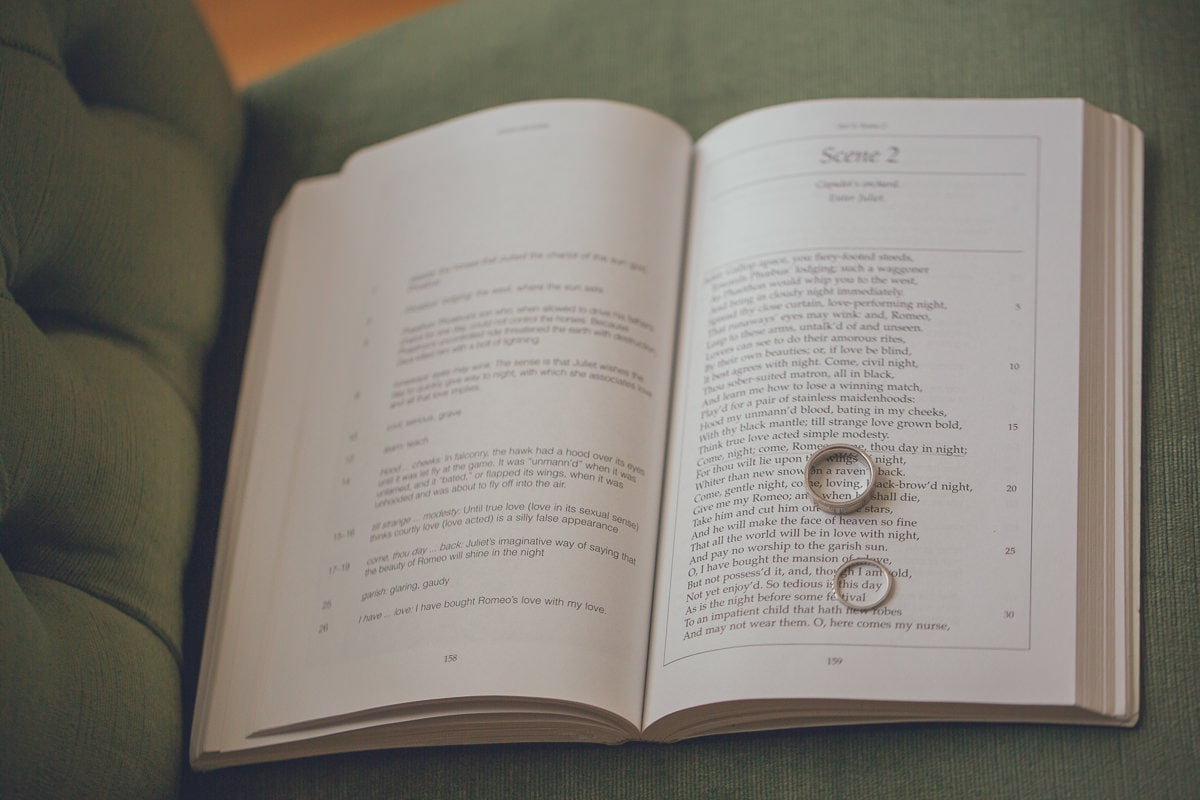 wedding photos of rings - inspiration and ideas - rome and juliet book