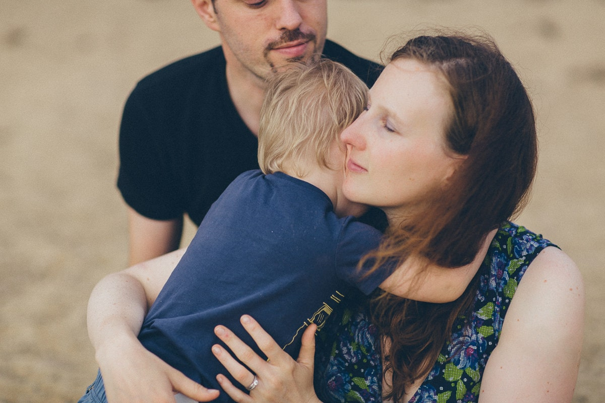 showing emotion and love in photos - family photographer melbourne