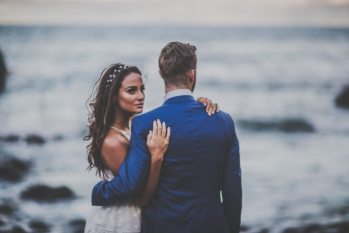 cinematic look wedding photos in melbourne - ocean wedding near mornington