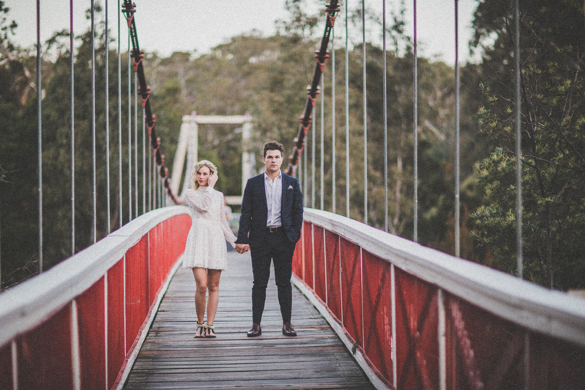 yarra river - stunning wedding couple in Melbourne - styled photography at the studley park boathouse in kew - best wedding photographers melbourne