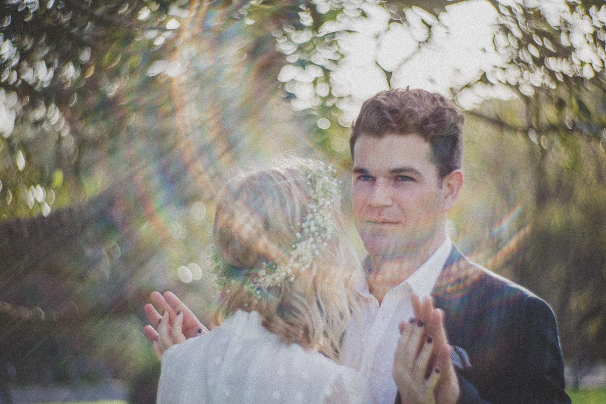 lens flare - style and crative wedding - petzval lens