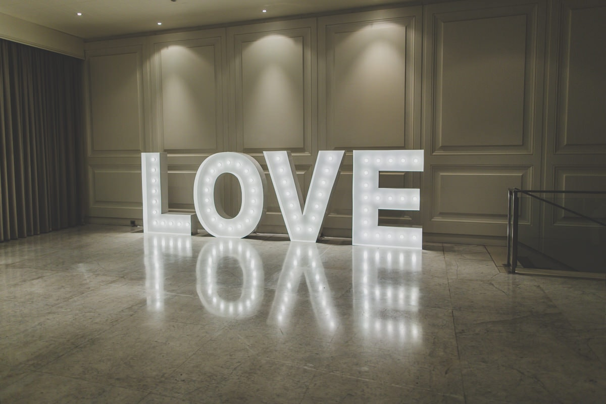 love sign hire melbourne