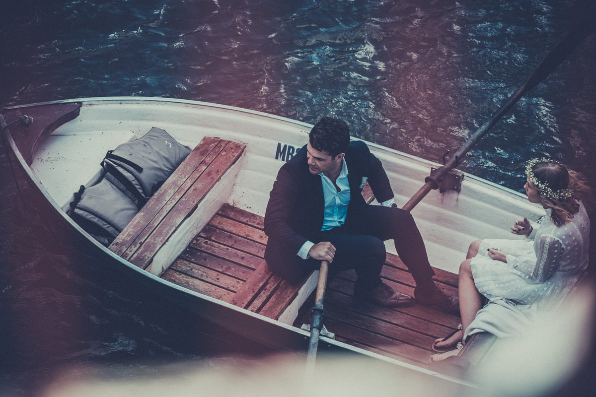 rowing boat for wedding couple - photography in melbourne - wedding photographer to capture your big day