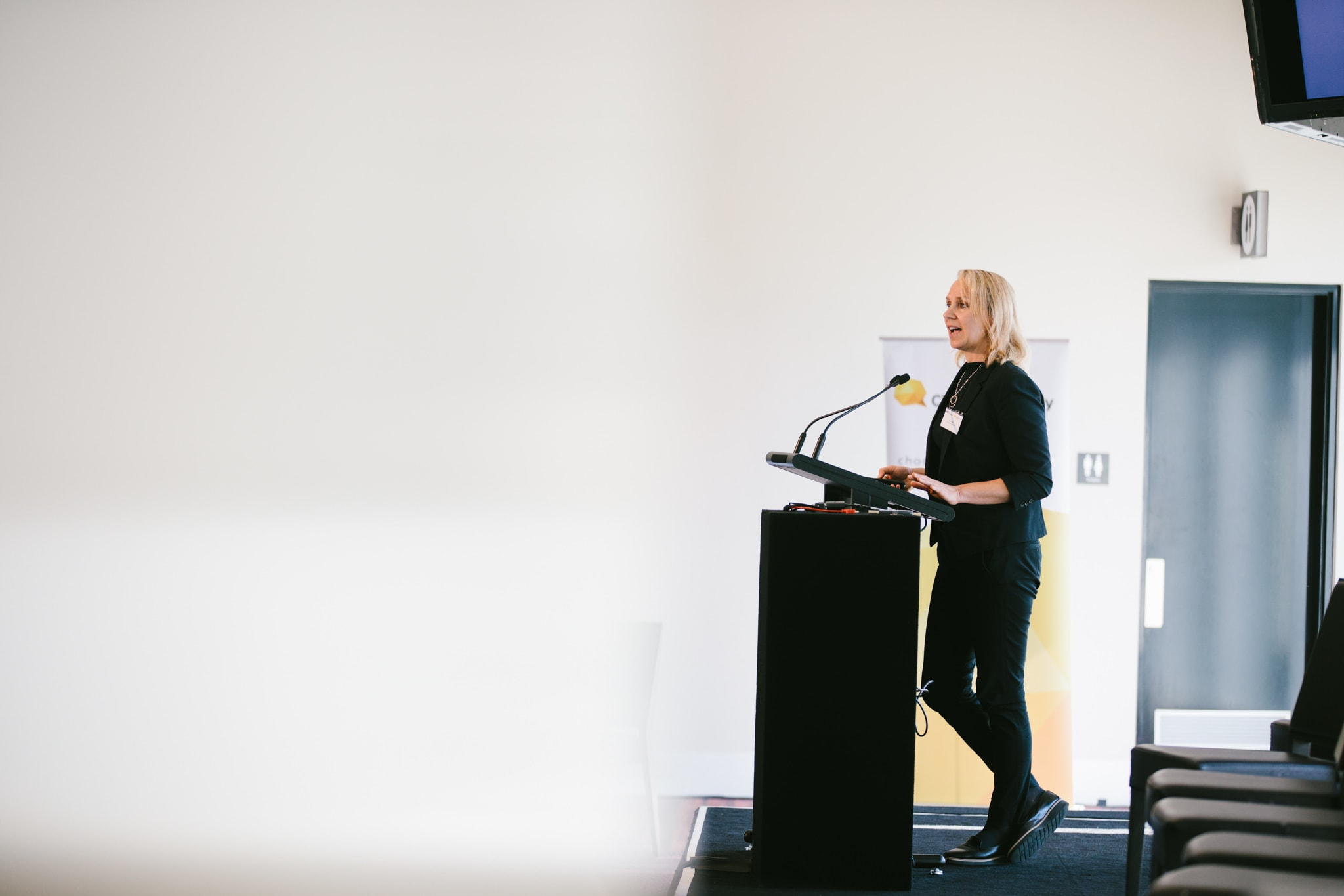 speaker at conferences , seminars or conventions - best photos in melbourne
