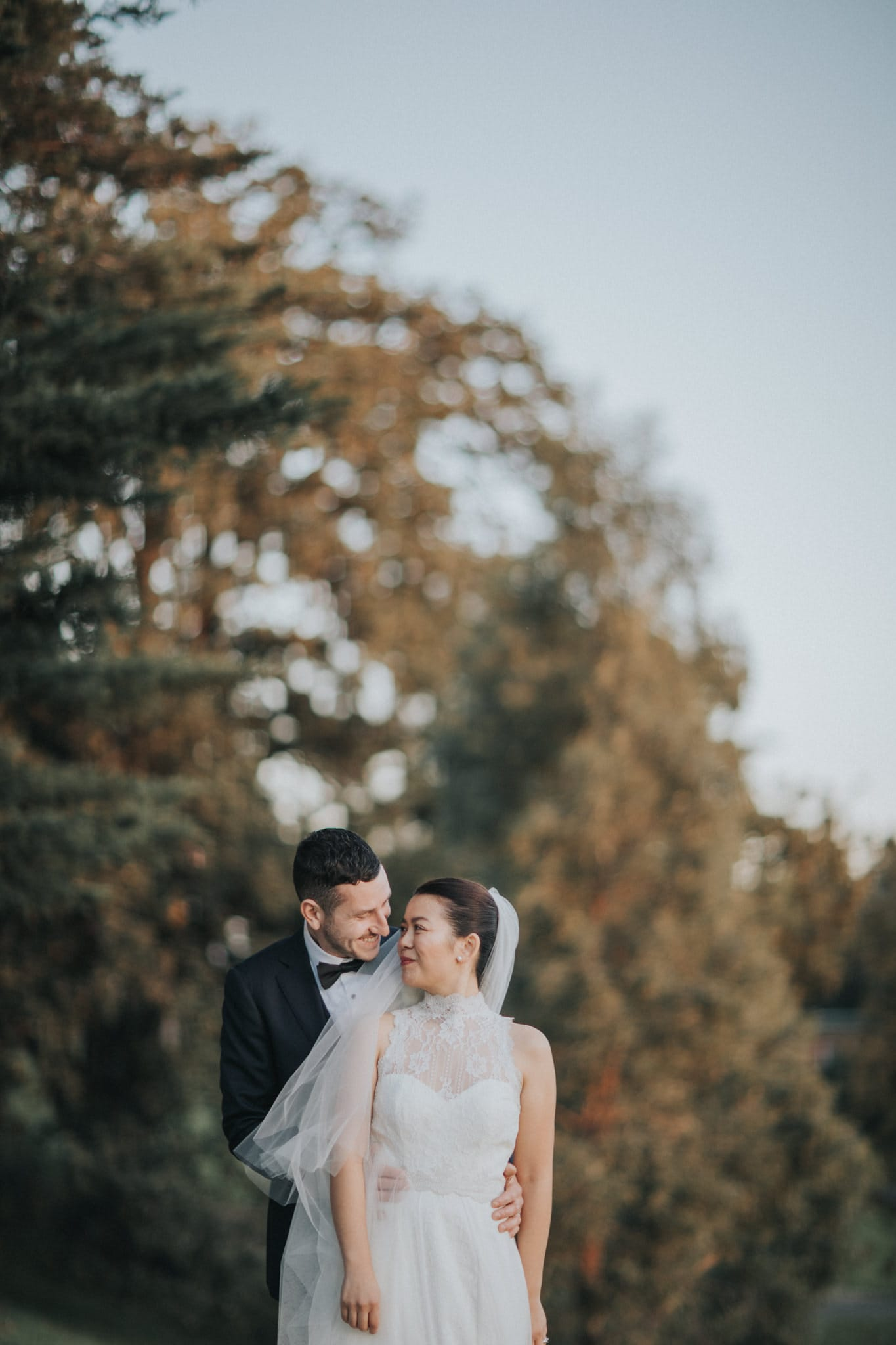 Wedding photos in Melbourne - bride and groom get married in Hawthorn at Leonda by the Yarra - Capturing a stylish wedding