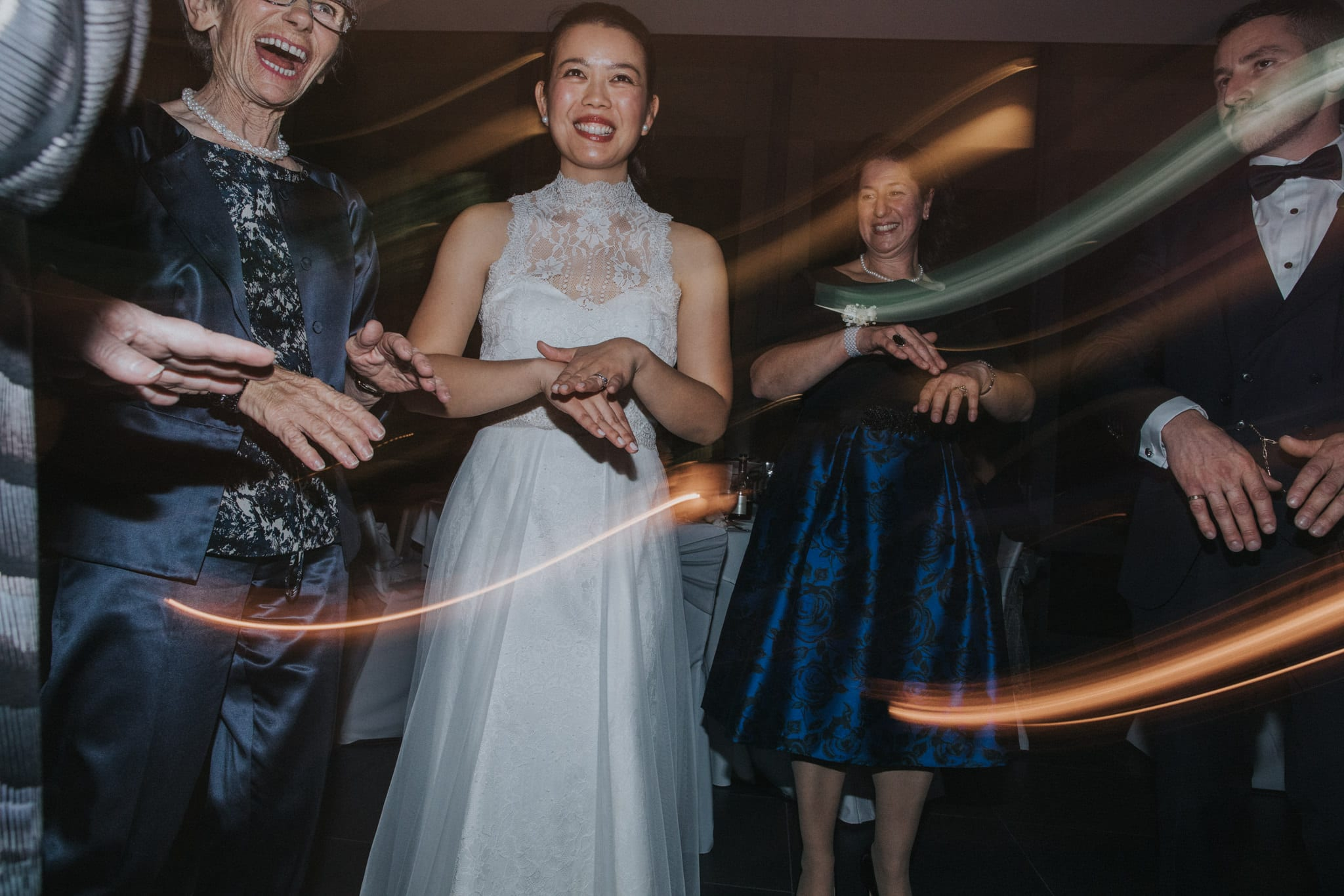 creative wedding party photos