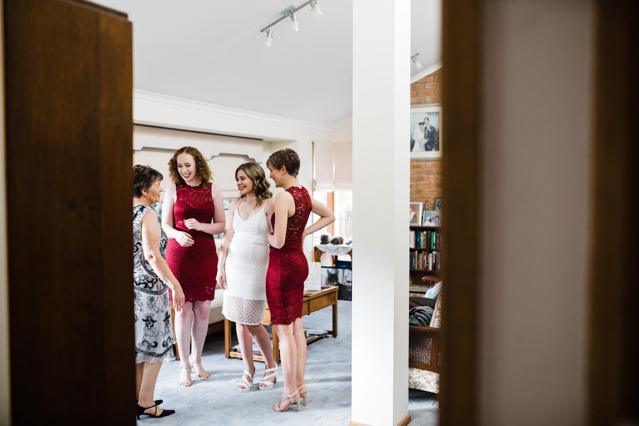 bridesmaids getting ready - wedding photographer documents the day