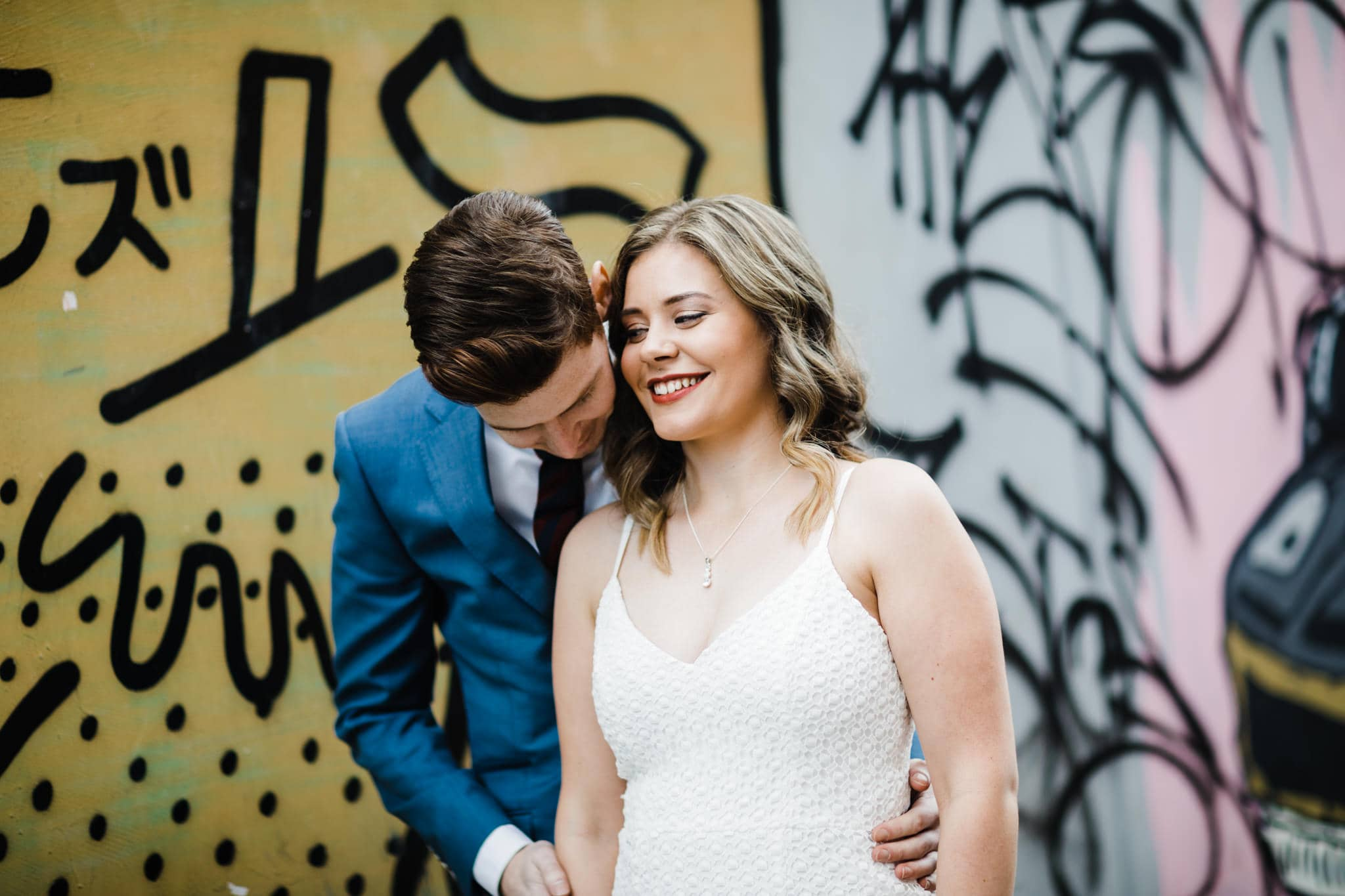 emotion and love - urban and candid wedding look and inspiration